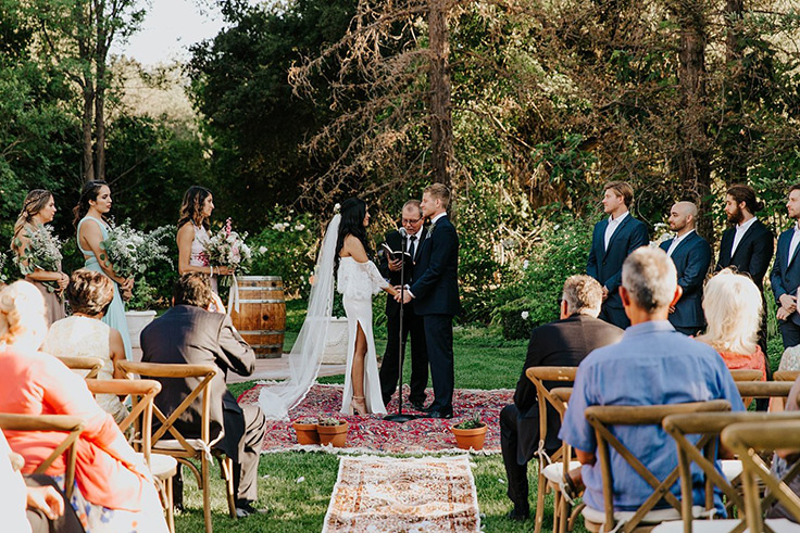 We're drooling over this celestial bohemian wedding with a golden retriever groomsman! #bohowedding #weddinginspiration #love see more: https://ruffledblog.com/celestial-bohemian-wedding