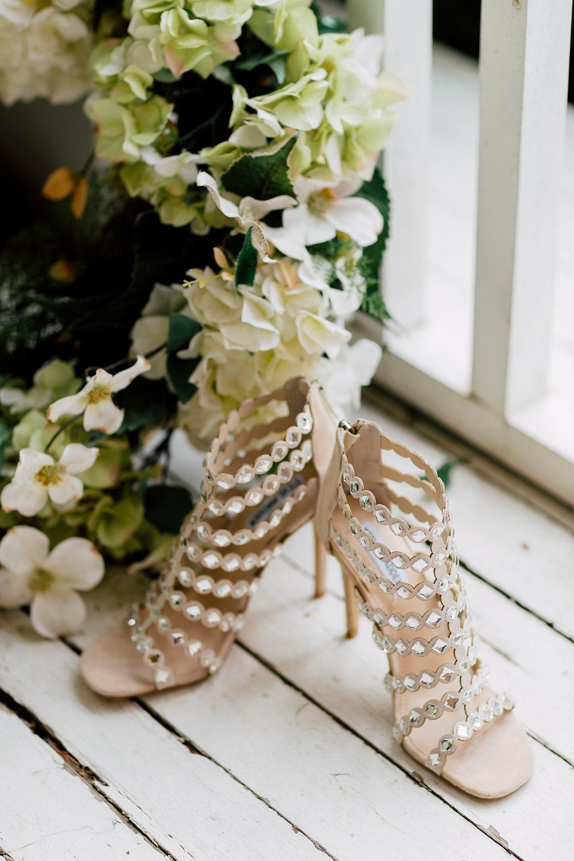 bridal shoes - photo by Purple Tree Photography https://ruffledblog.com/charming-wine-country-wedding-at-kurtz-orchard
