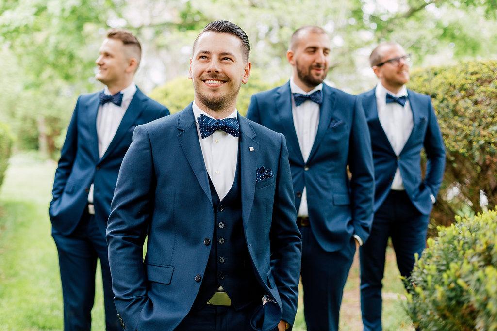 groom and groomsmen - photo by Purple Tree Photography https://ruffledblog.com/charming-wine-country-wedding-at-kurtz-orchard