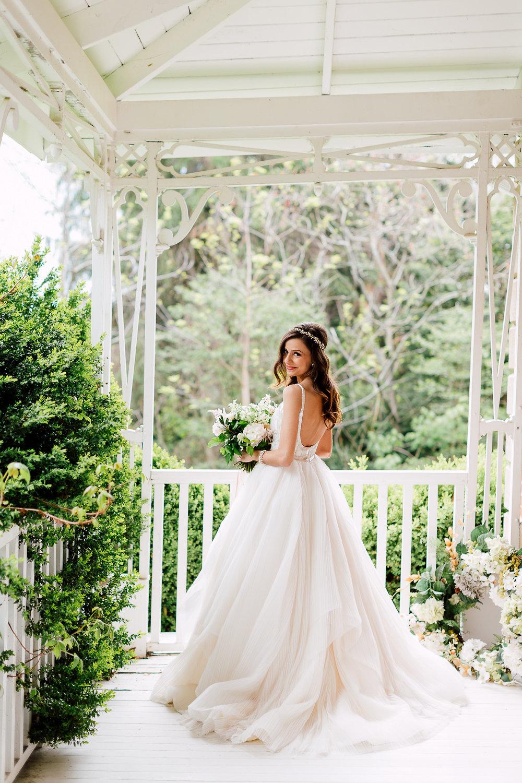 bridal photography - photo by Purple Tree Photography https://ruffledblog.com/charming-wine-country-wedding-at-kurtz-orchard