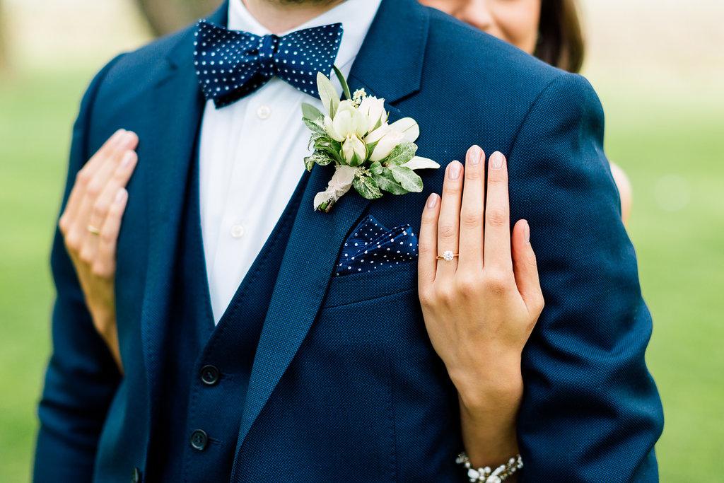 wedding photography - photo by Purple Tree Photography https://ruffledblog.com/charming-wine-country-wedding-at-kurtz-orchard