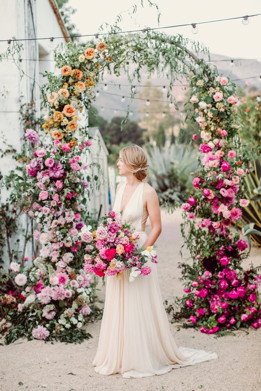 Cheerful Wedding Ombre Flower Arch 01