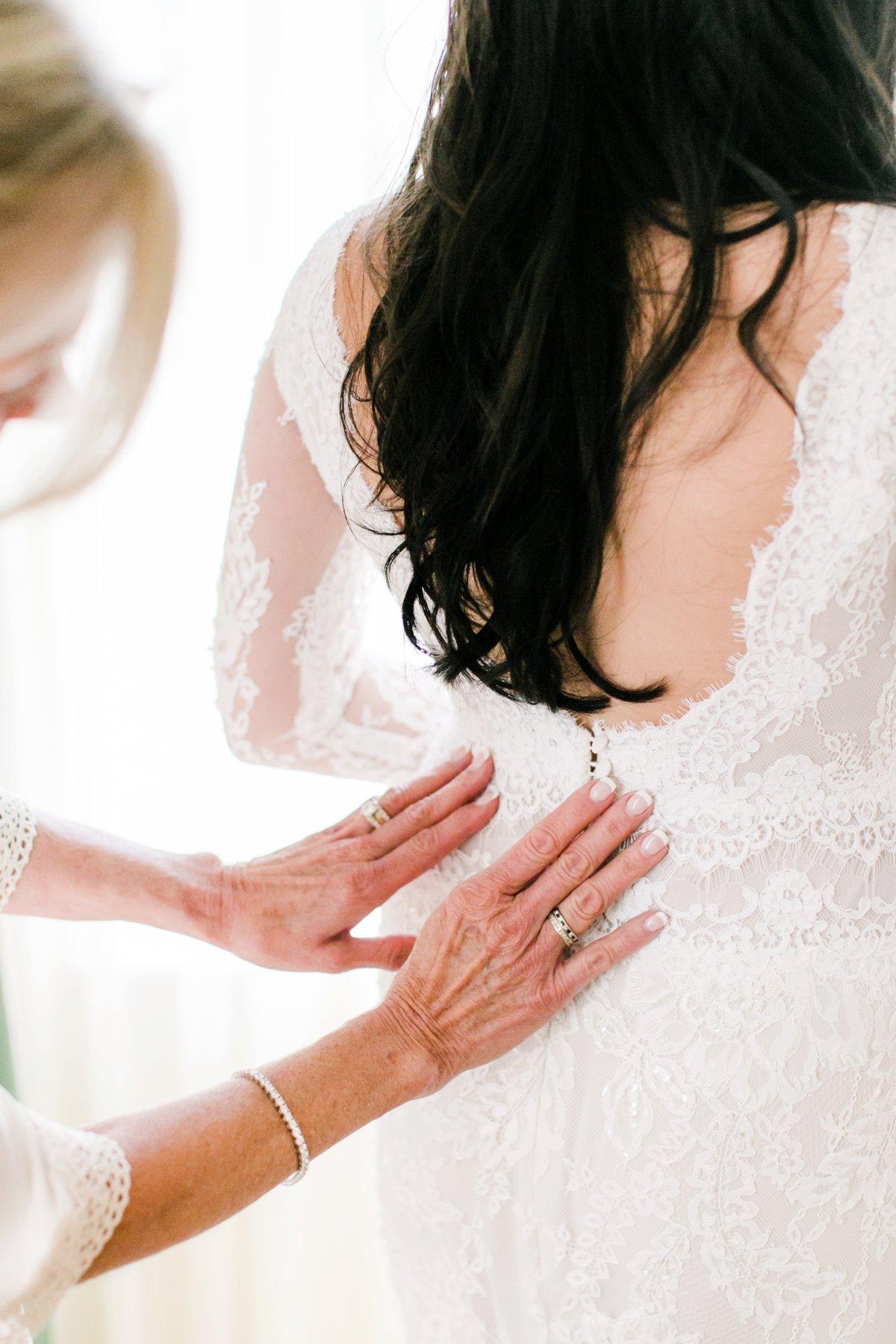 Lihi Hod wedding dresses - photo by Anna Delores https://ruffledblog.com/chic-modern-wedding-at-four-seasons-santa-barbara