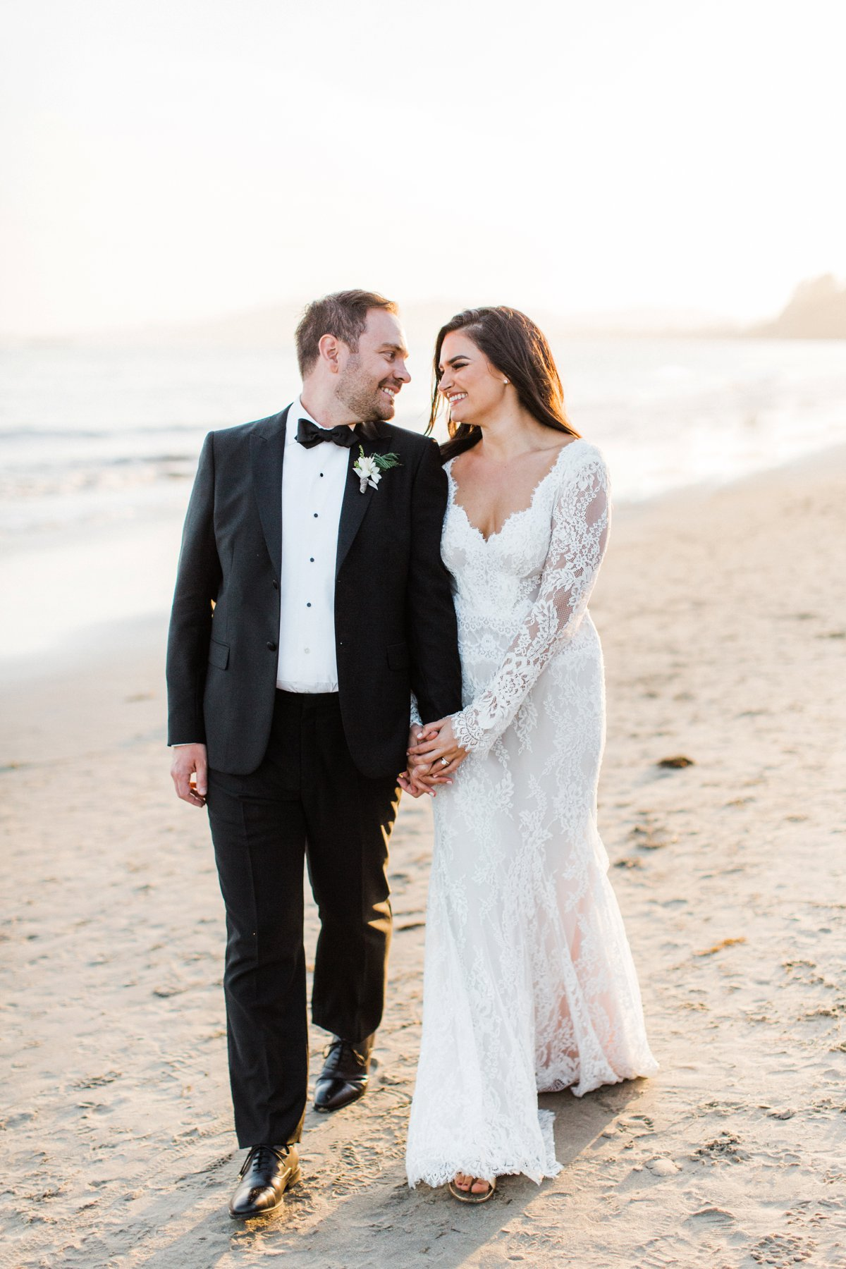 black tie beach weddings - photo by Anna Delores http://ruffledblog.com/chic-modern-wedding-at-four-seasons-santa-barbara