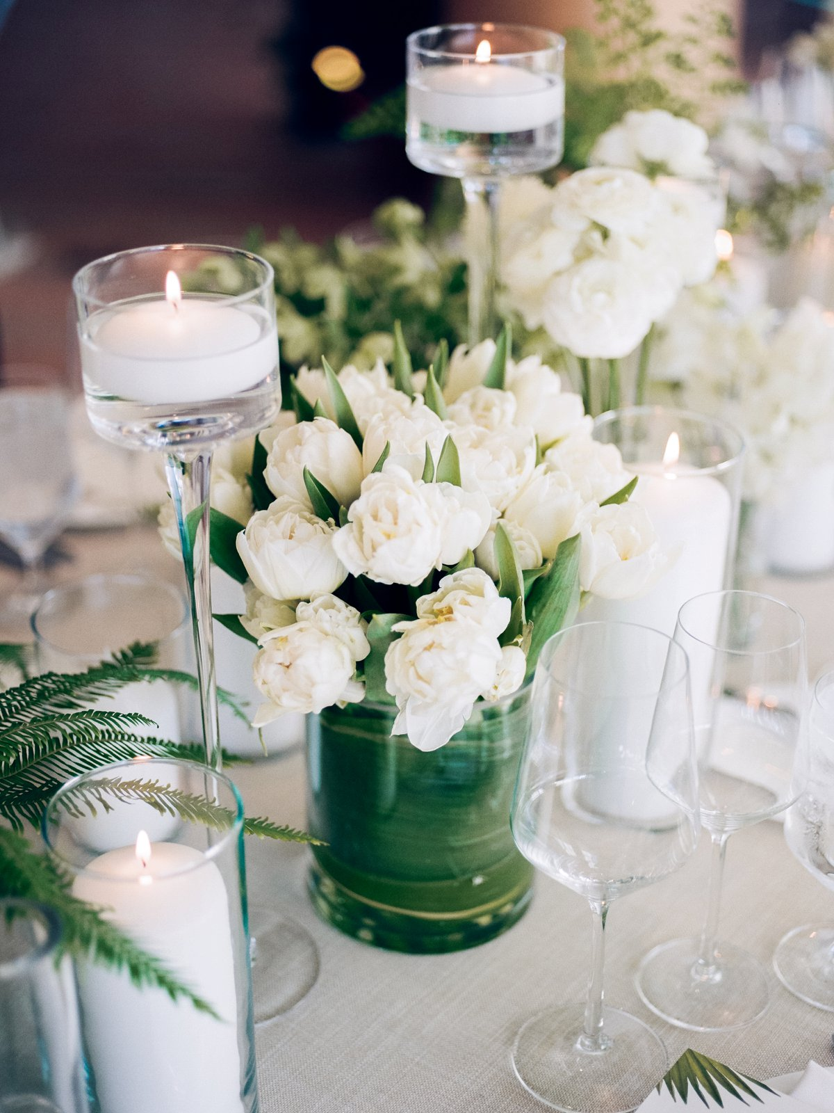green and white wedding ideas - photo by Anna Delores http://ruffledblog.com/chic-modern-wedding-at-four-seasons-santa-barbara