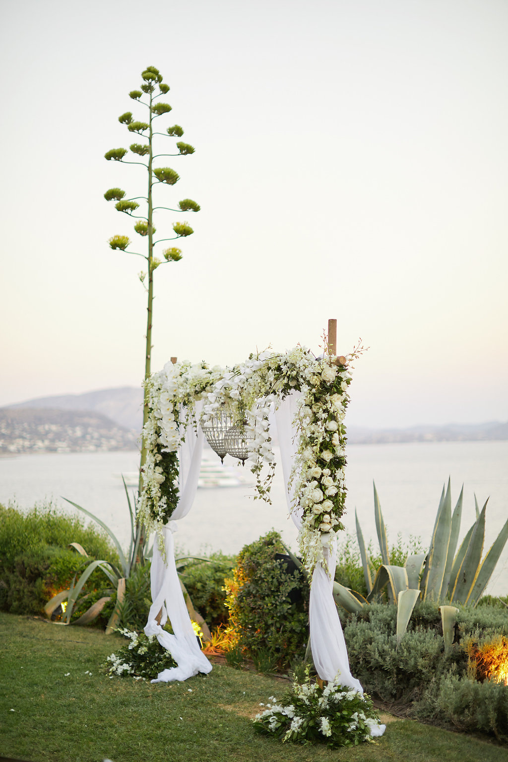 Chic Sunset Wedding on the Athens Riviera - photo by Sotiris Tsakanikas http://ruffledblog.com/chic-sunset-wedding-on-the-athens-riviera