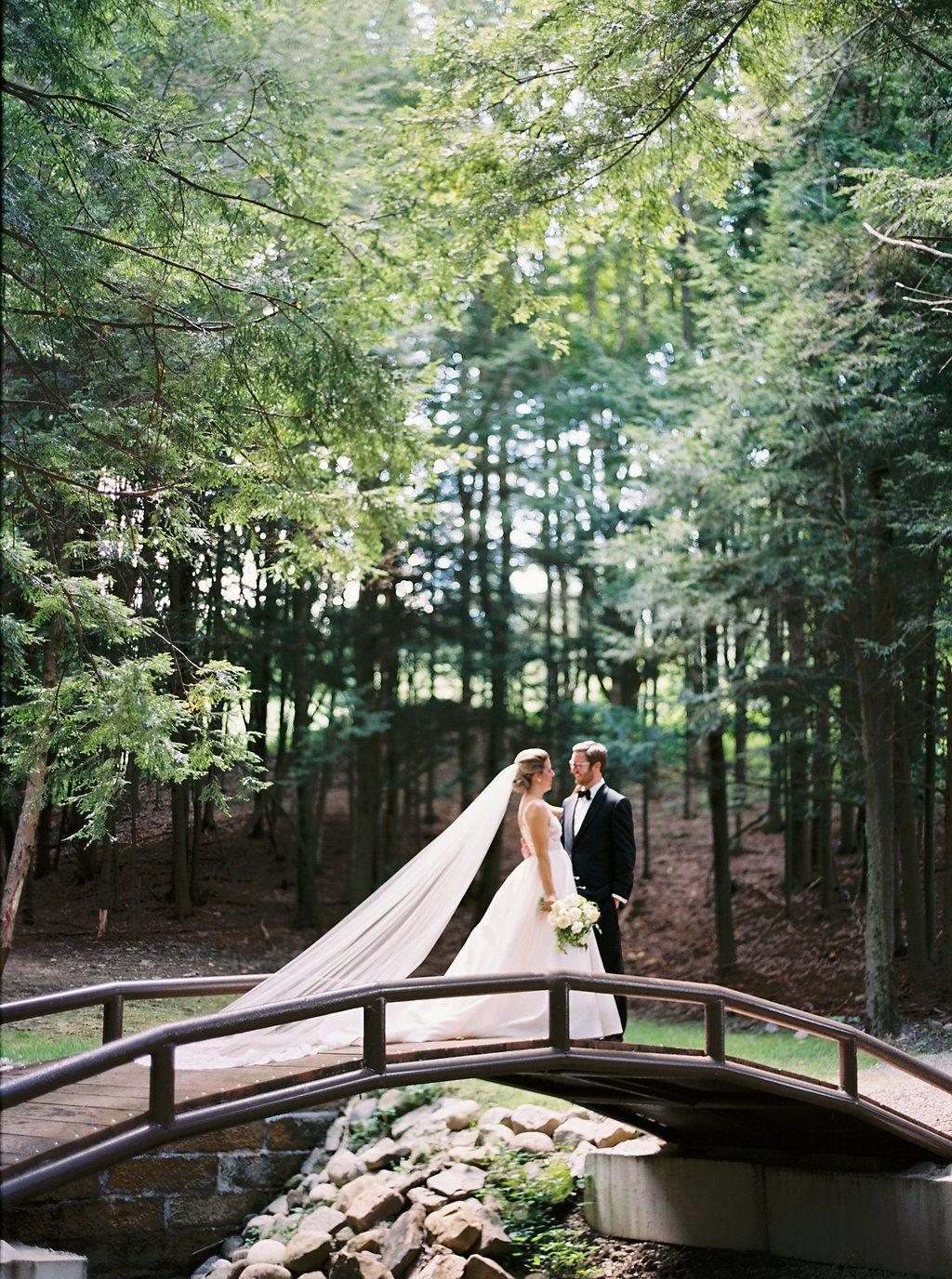Chic Upstateny Orchard Wedding 02