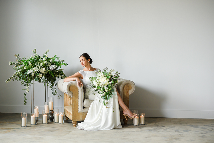 wedding inspiration - photo by Kate Noelle Photography http://ruffledblog.com/chic-wedding-ideas-inspired-by-partly-cloudy-skies