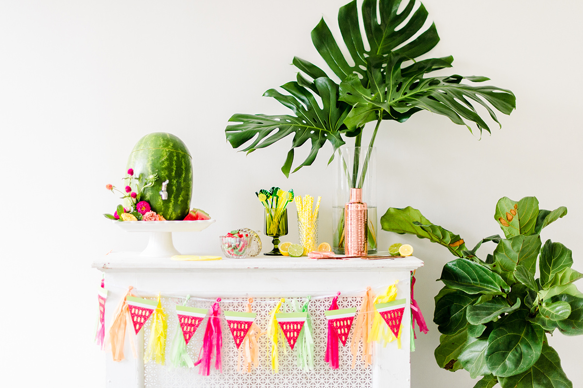 tropical party ideas - photo by Madison Short Photography https://ruffledblog.com/citrus-sunshine-bachelorette-party-inspiration