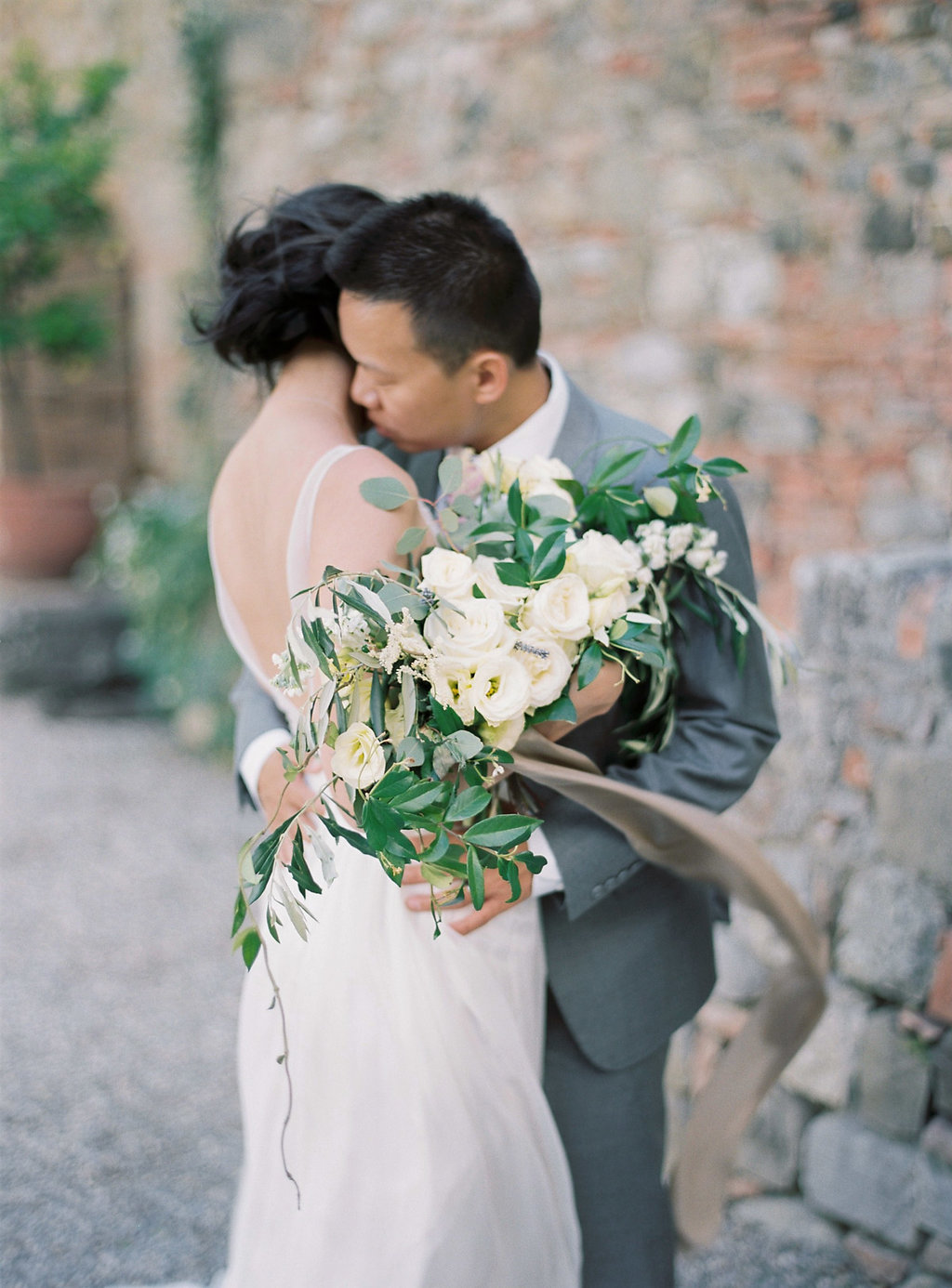 romantic wedding portraits - photo by Katie Grant Photography https://ruffledblog.com/classically-beautiful-intimate-wedding-in-tuscany