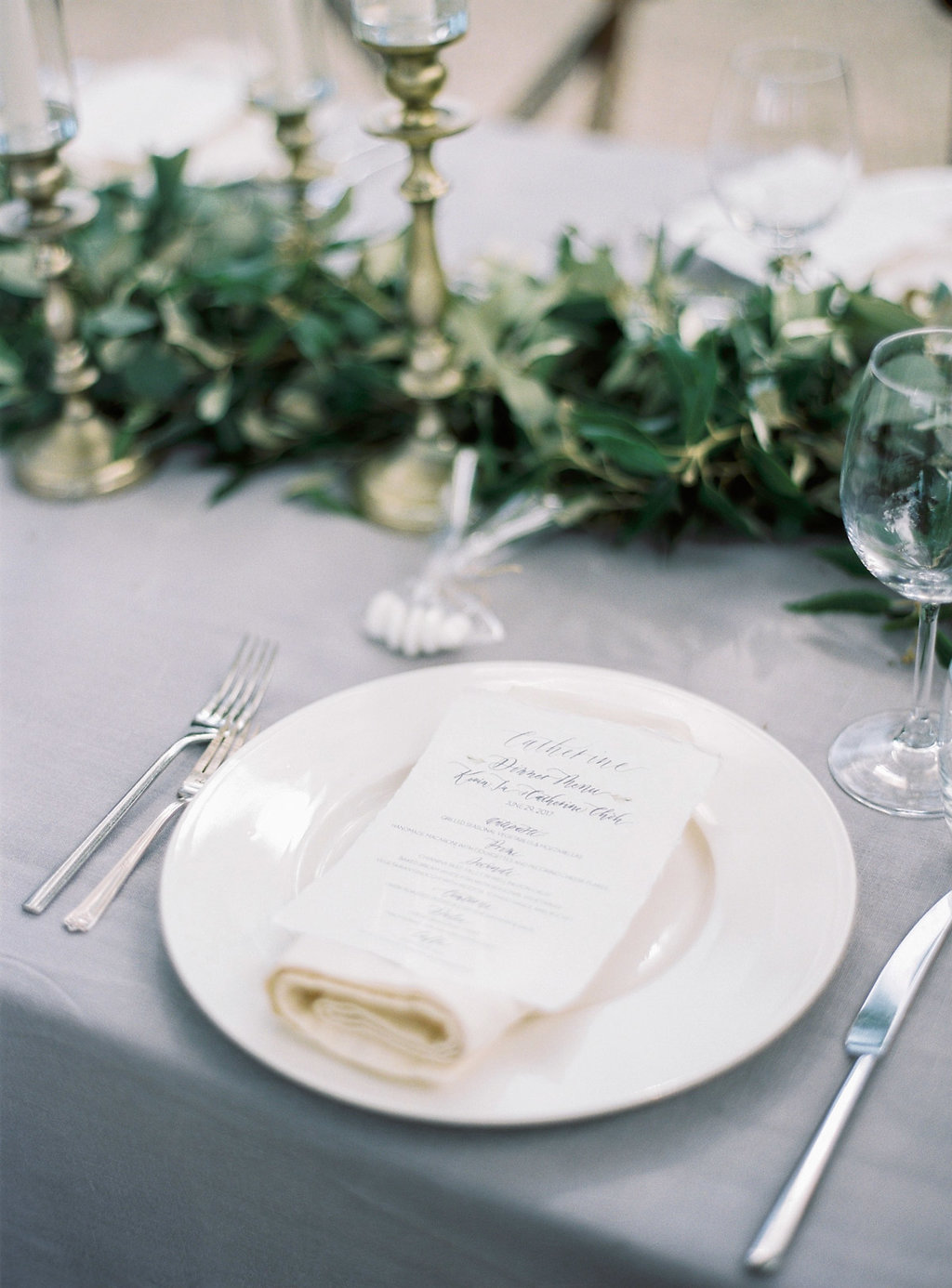 simple organic place settings - photo by Katie Grant Photography https://ruffledblog.com/classically-beautiful-intimate-wedding-in-tuscany