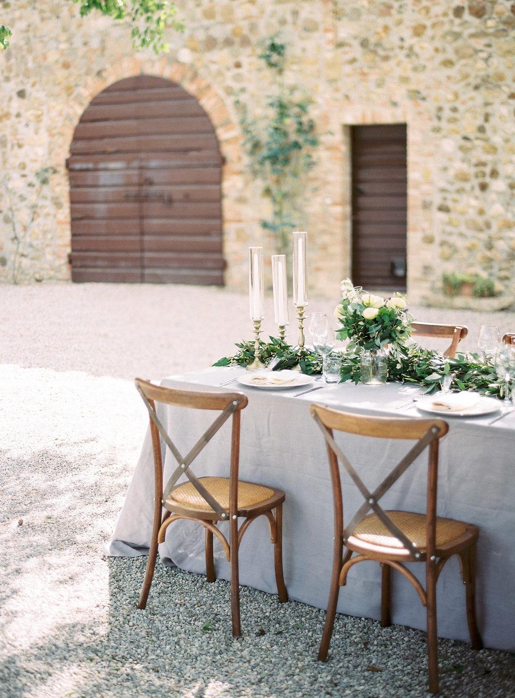 Italian family style weddings - photo by Katie Grant Photography http://ruffledblog.com/classically-beautiful-intimate-wedding-in-tuscany