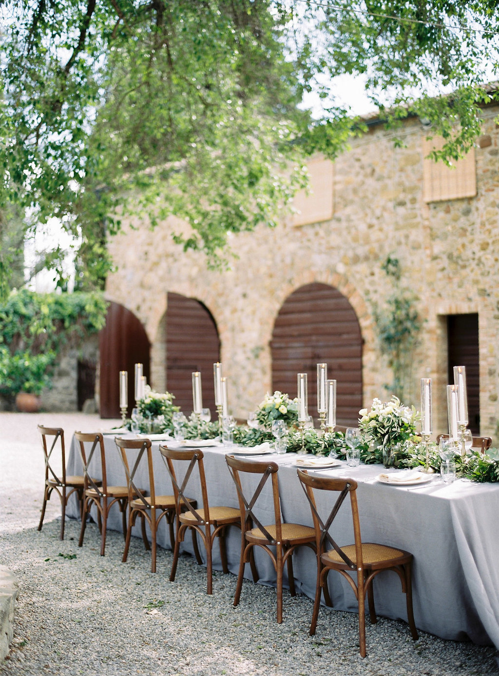 Tuscan wedding receptions - photo by Katie Grant Photography https://ruffledblog.com/classically-beautiful-intimate-wedding-in-tuscany