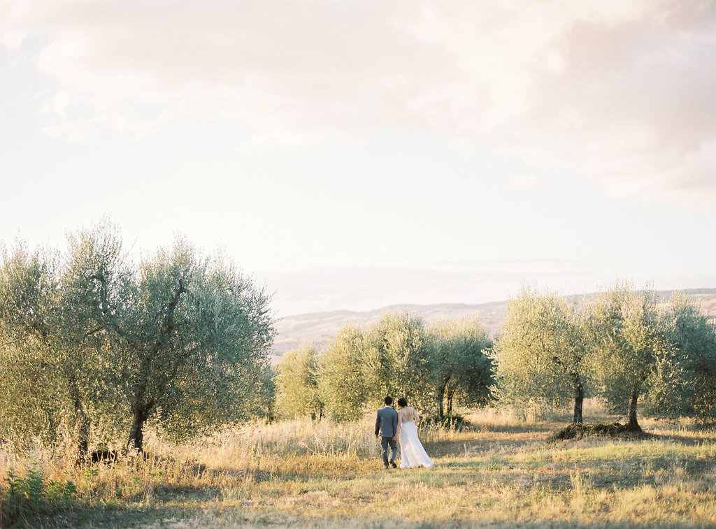 Tuscan weddings - photo by Katie Grant Photography https://ruffledblog.com/classically-beautiful-intimate-wedding-in-tuscany