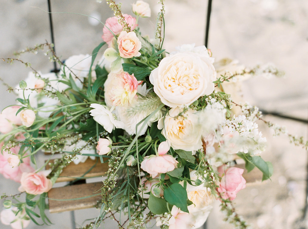 wedding flowers - photo by Be Light Photography http://ruffledblog.com/coastal-oregon-inspiration-with-a-show-stopping-wedding-gown