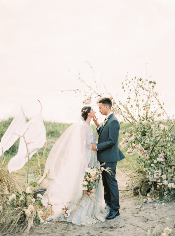 Stuck Writing Your Own Wedding Vows? Start With This Guide!