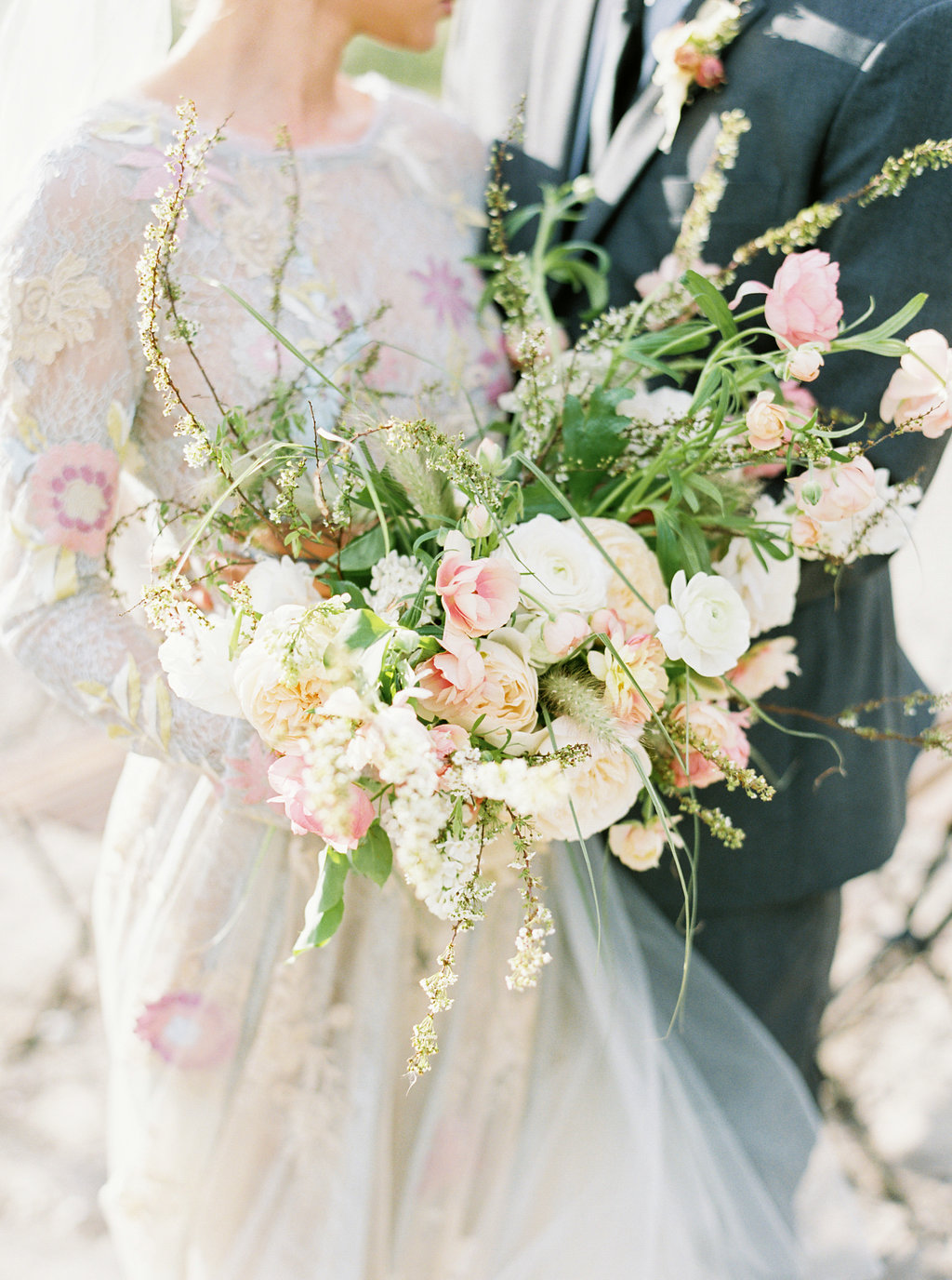 wedding bouquets - photo by Be Light Photography http://ruffledblog.com/coastal-oregon-inspiration-with-a-show-stopping-wedding-gown