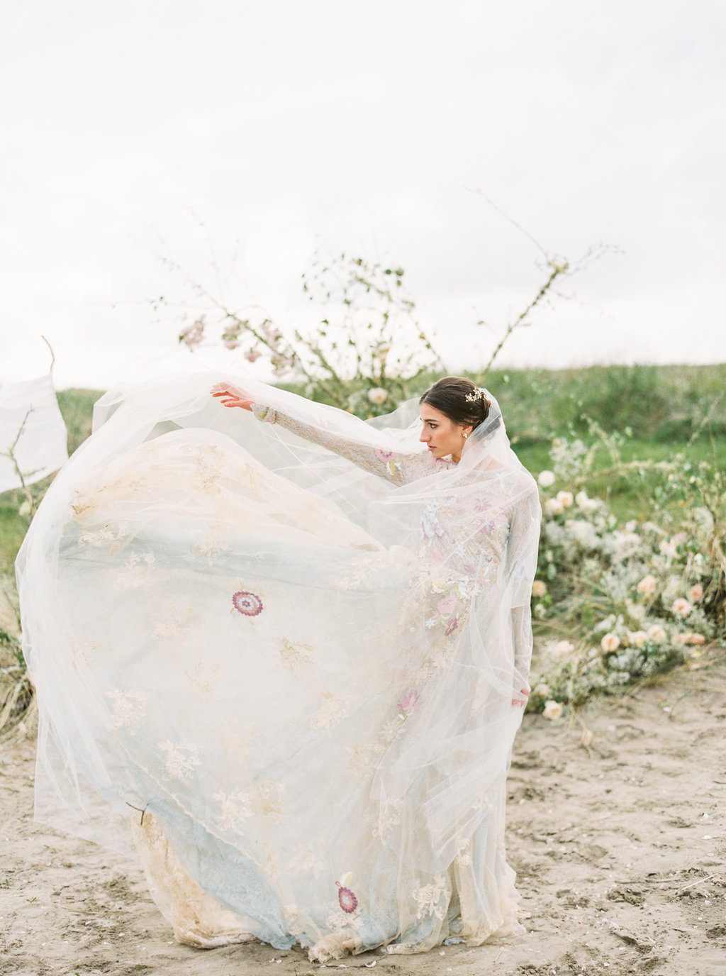 wedding dresses - photo by Be Light Photography http://ruffledblog.com/coastal-oregon-inspiration-with-a-show-stopping-wedding-gown