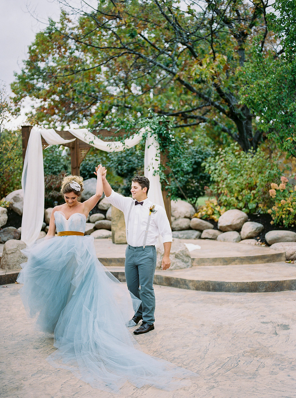 Cobalt and amber wedding inspiration ruffled cobalt and amber wedding inspiration photo by alexandra elise photography httpsruffledblog junglespirit Choice Image