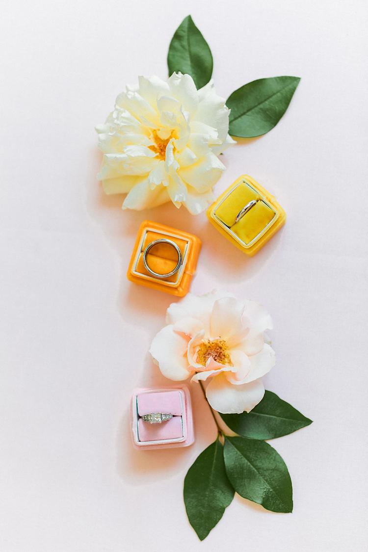 citrus themed weddings - photo by Erin Milnik https://ruffledblog.com/colorful-monday-afternoon-garden-elopement