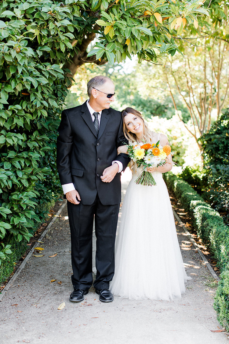bridal processionals - photo by Erin Milnik https://ruffledblog.com/colorful-monday-afternoon-garden-elopement