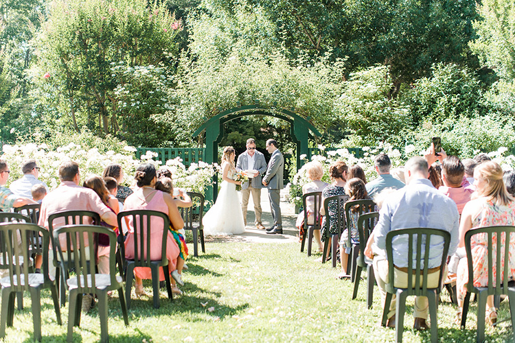 garden wedding ceremonies - photo by Erin Milnik https://ruffledblog.com/colorful-monday-afternoon-garden-elopement