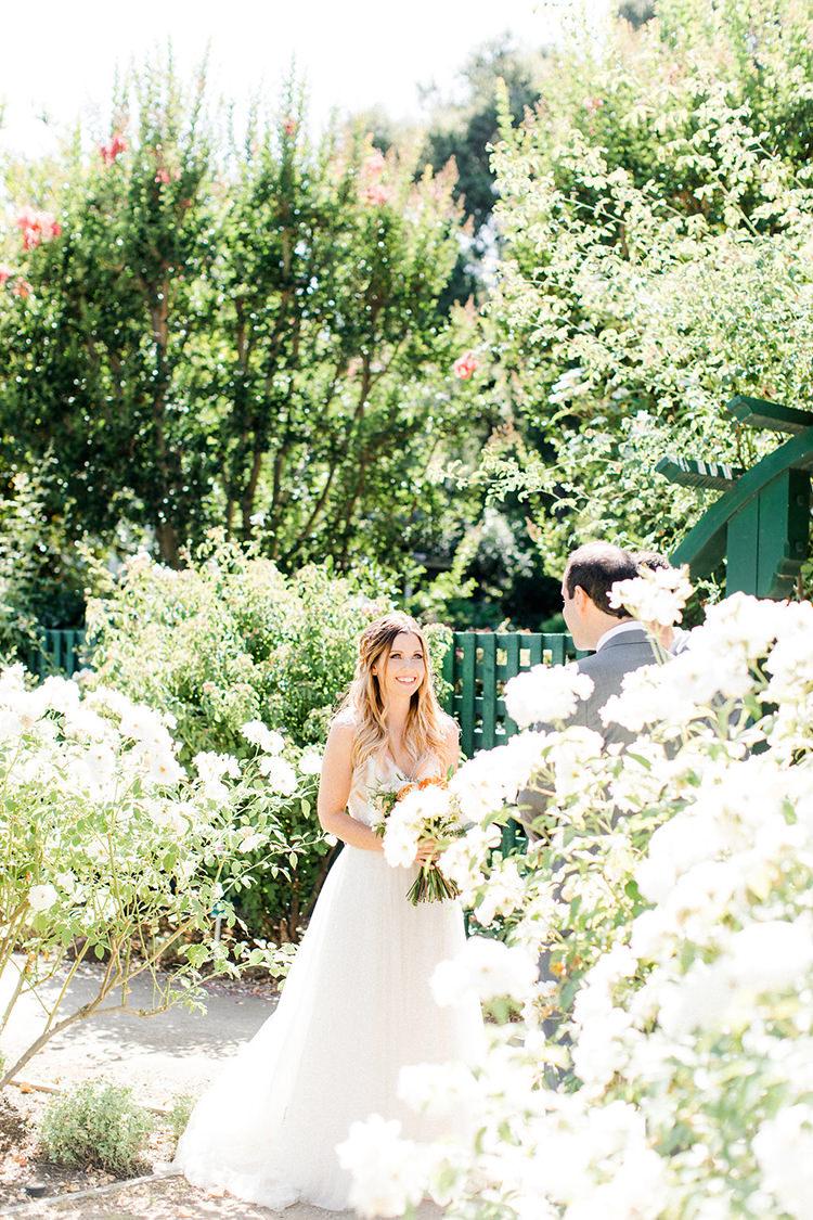 garden wedding ceremonies - photo by Erin Milnik http://ruffledblog.com/colorful-monday-afternoon-garden-elopement