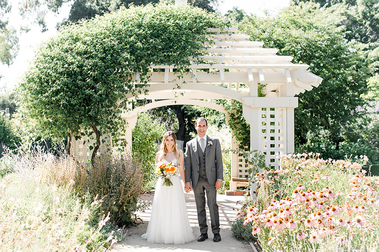 wedding photography - photo by Erin Milnik http://ruffledblog.com/colorful-monday-afternoon-garden-elopement