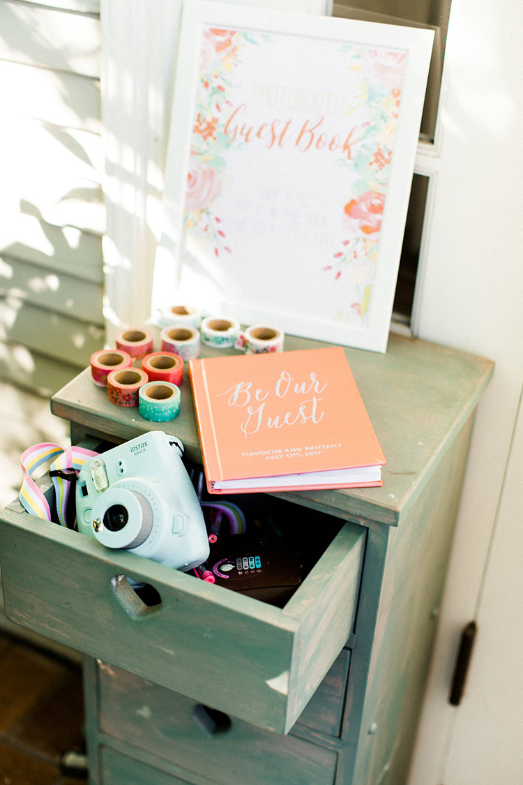 wedding guest book ideas - photo by Erin Milnik https://ruffledblog.com/colorful-monday-afternoon-garden-elopement