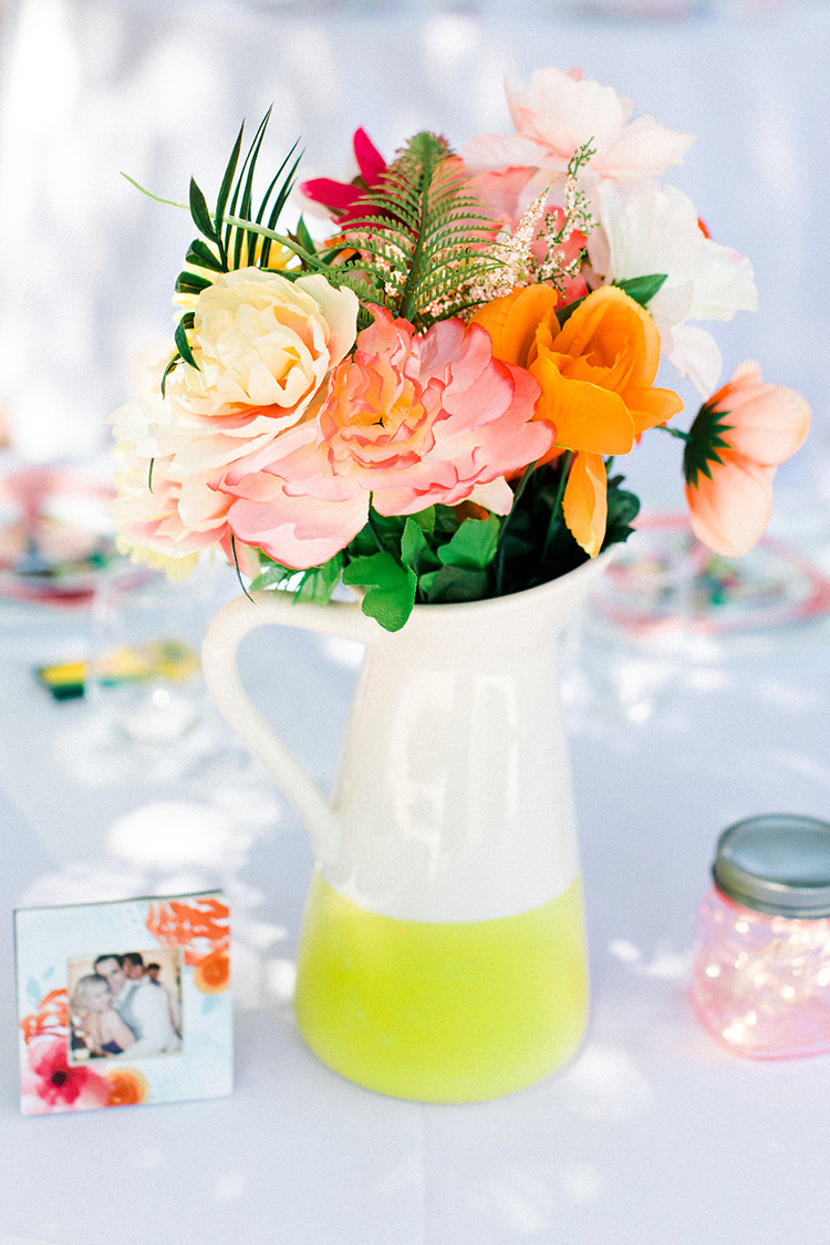 lime green wedding ideas - photo by Erin Milnik https://ruffledblog.com/colorful-monday-afternoon-garden-elopement