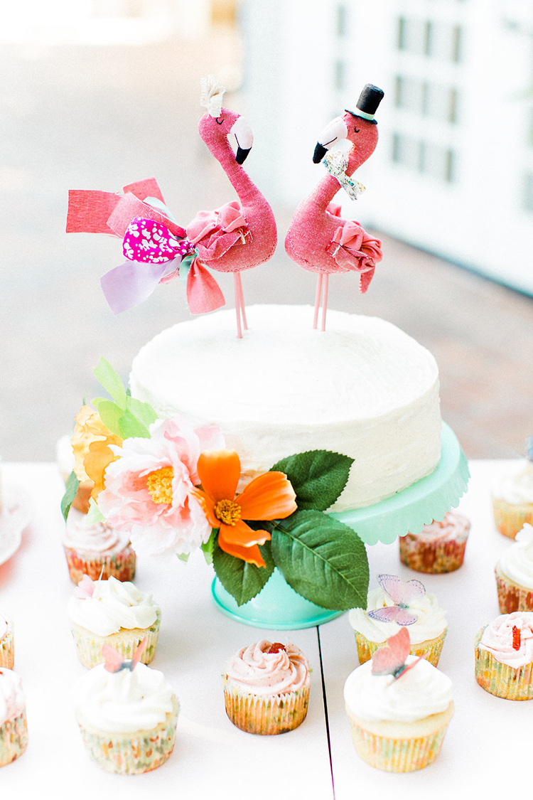 flamingo cake toppers - photo by Erin Milnik https://ruffledblog.com/colorful-monday-afternoon-garden-elopement