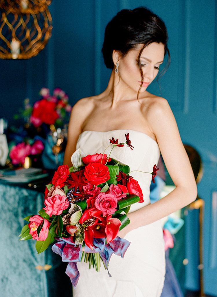 romantic bridal looks - photo by Lisa Blume Photography https://ruffledblog.com/runway-to-table-wedding-inspiration-with-bows