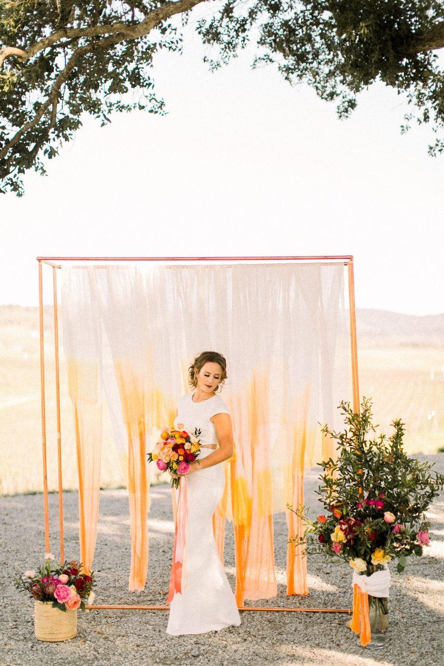 Contemporary Vineyard Wedding Sherbert Pops 01