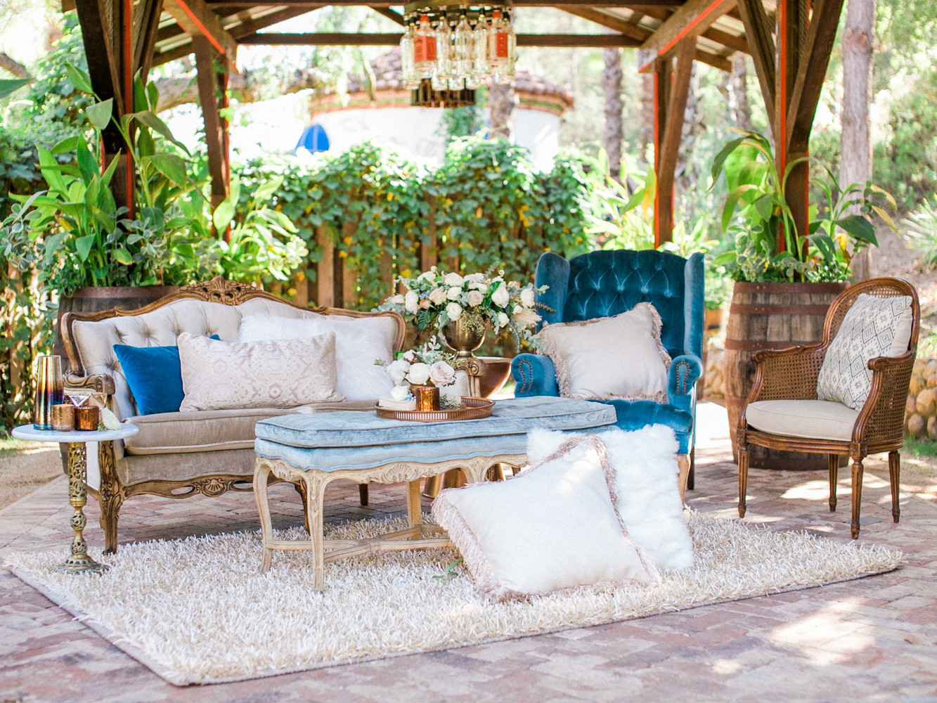 lounge areas - photo by Dennis Roy Coronel http://ruffledblog.com/copper-blue-rancho-las-lomas-wedding-inspiration