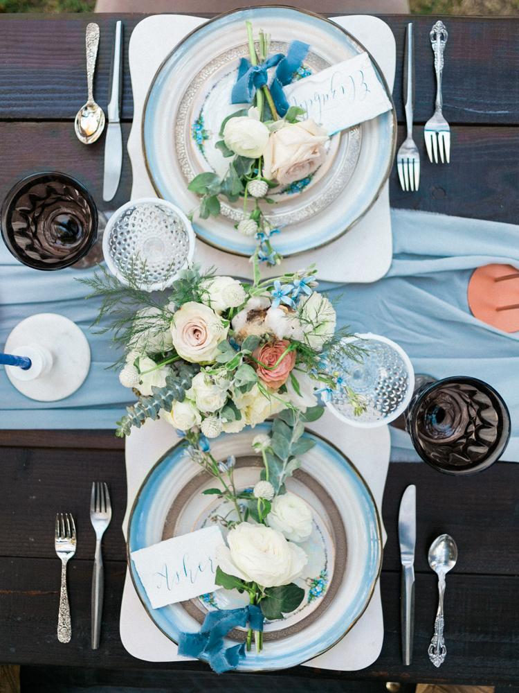 wedding tablescapes - photo by Dennis Roy Coronel http://ruffledblog.com/copper-blue-rancho-las-lomas-wedding-inspiration