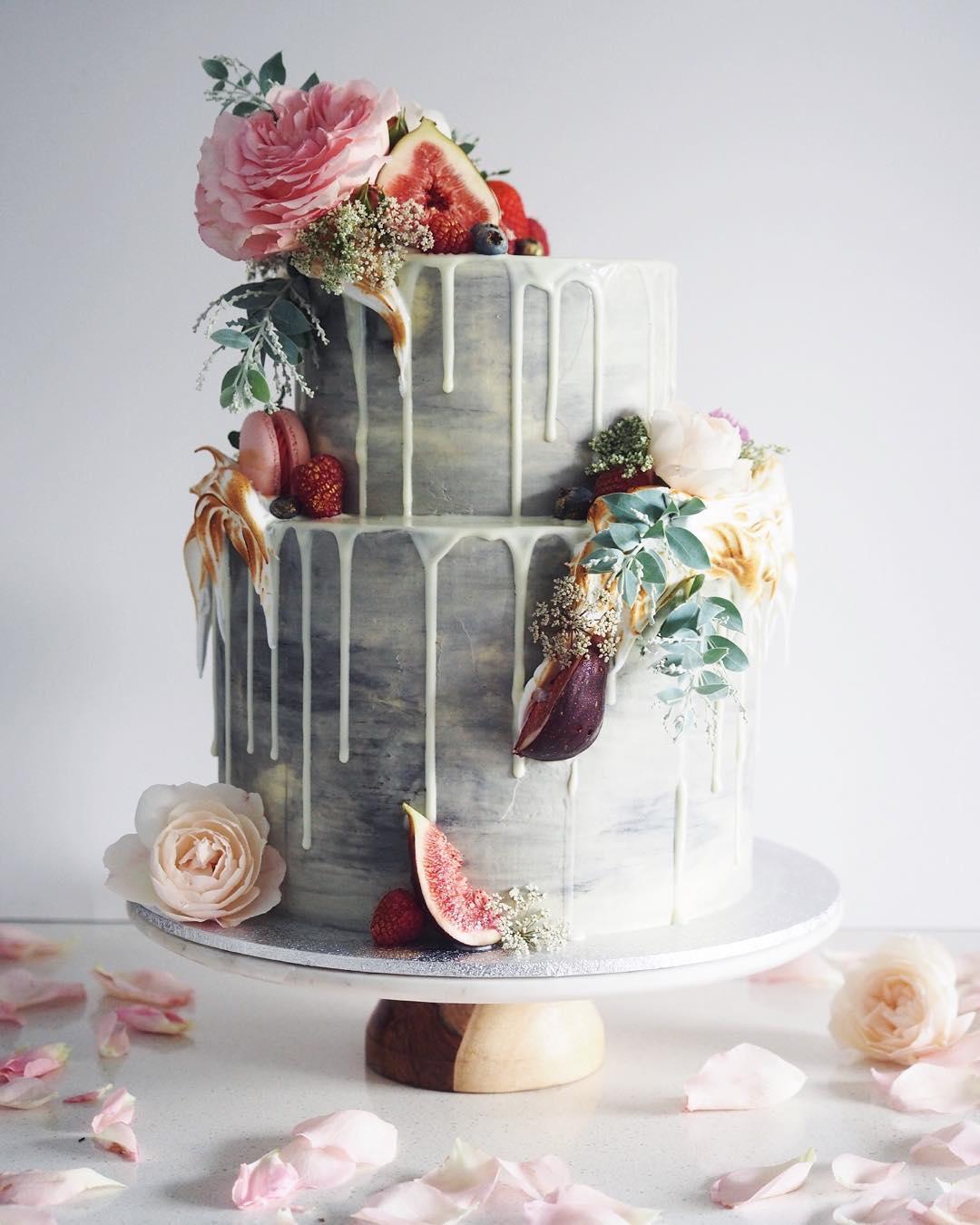 15 Wedding Cakes that WOW