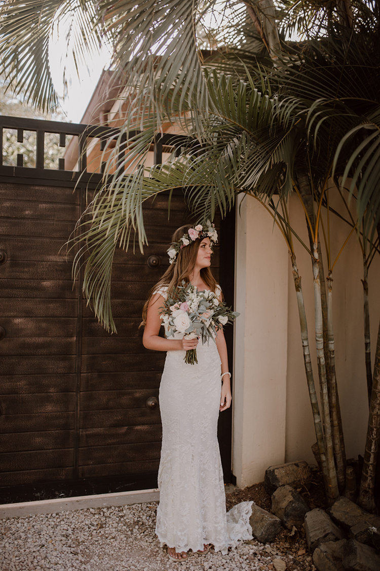 boho bridal looks - https://ruffledblog.com/costa-rica-beach-wedding-with-a-cute-bridesmaid-first-look