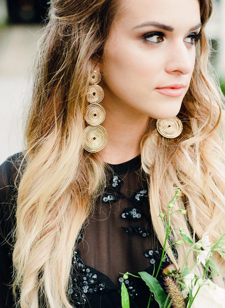 unique bridal accessories - http://ruffledblog.com/dark-and-stormy-magnolia-plantation-wedding-inspiration