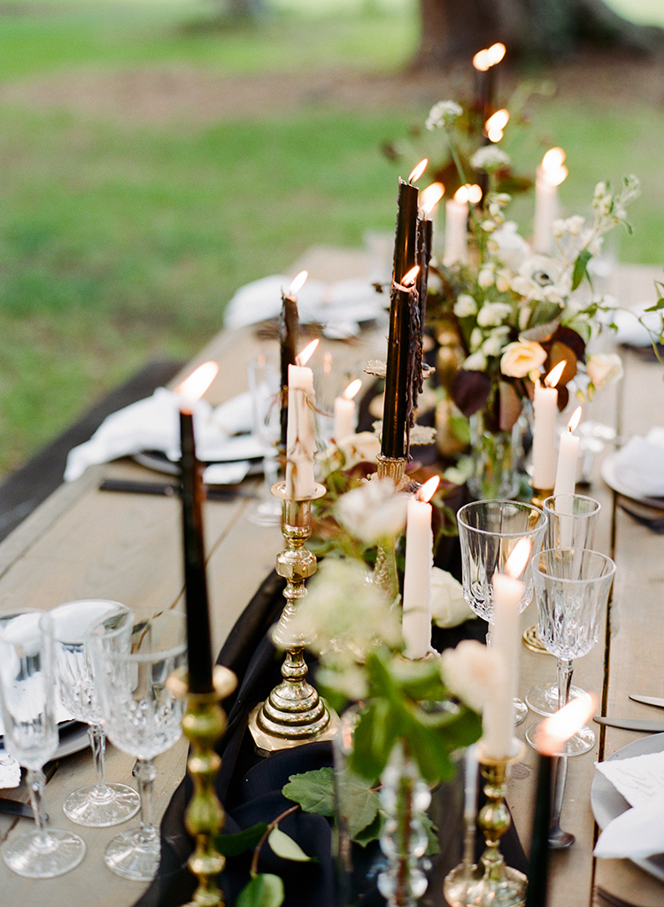 moody wedding tablescape inspiration - http://ruffledblog.com/dark-and-stormy-magnolia-plantation-wedding-inspiration