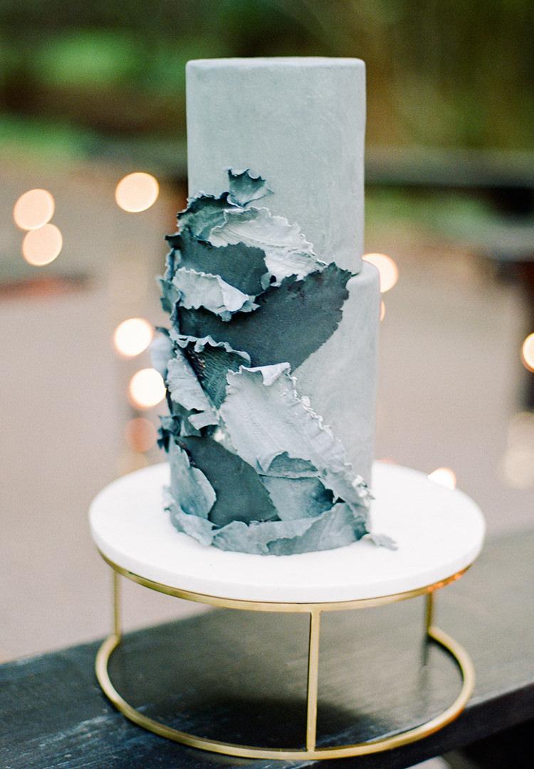 unique blue wedding cakes - http://ruffledblog.com/dark-and-stormy-magnolia-plantation-wedding-inspiration