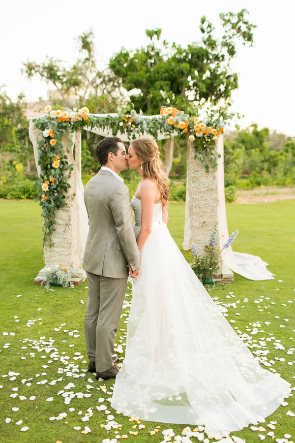 destination wedding in Cabo with citrus - photo by Ana and Jerome Photography https://ruffledblog.com/destination-wedding-in-cabo-with-citrus