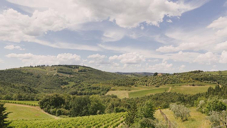 wedding venue locations in Tuscany - photo by Facibeni Fotografia https://ruffledblog.com/destination-wedding-in-tuscany-with-al-fresco-dining