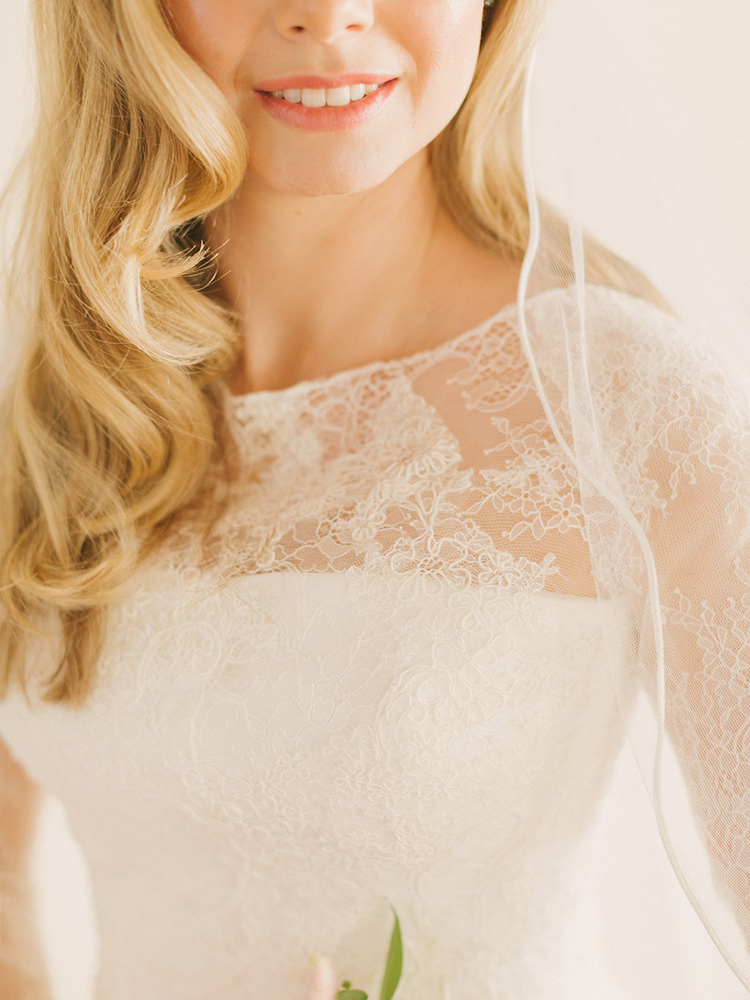 wedding dress lace detailing - photo by Facibeni Fotografia http://ruffledblog.com/destination-wedding-in-tuscany-with-al-fresco-dining