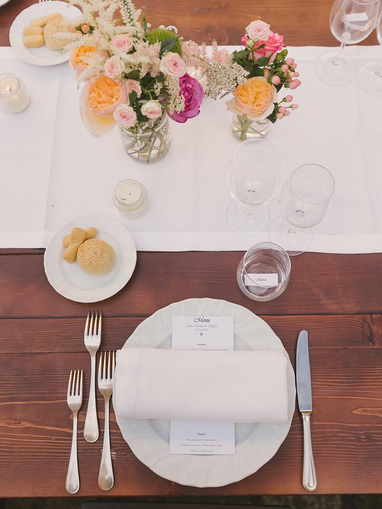 simple place settings - photo by Facibeni Fotografia https://ruffledblog.com/destination-wedding-in-tuscany-with-al-fresco-dining