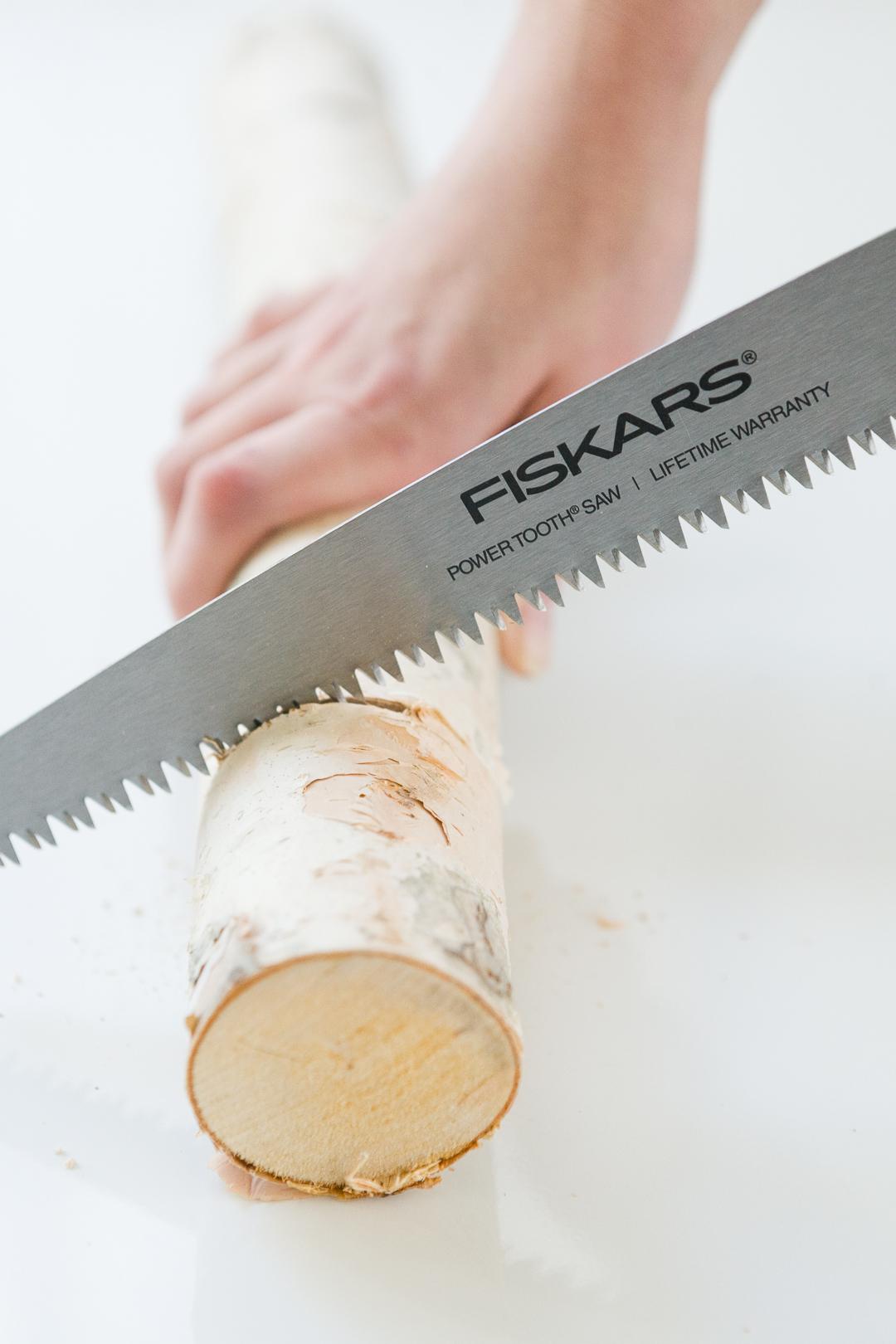 DIY Birch Log Ring Box -  http://ruffledblog.com/diy-birch-log-ring-box/ width=