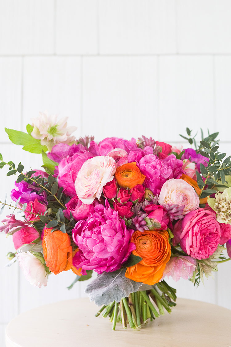 Make Your Own Summer Wedding Bouquet - http://ruffledblog.commake-your-own-summer-wedding-bouquet