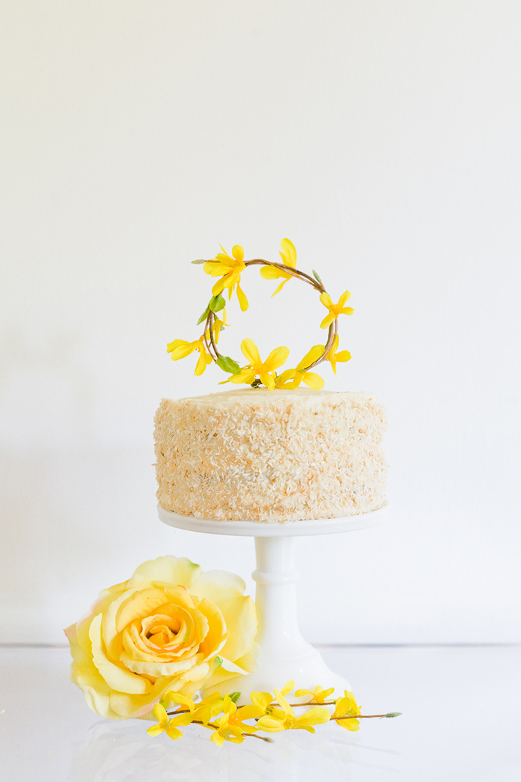 diy mini wreath cake topper