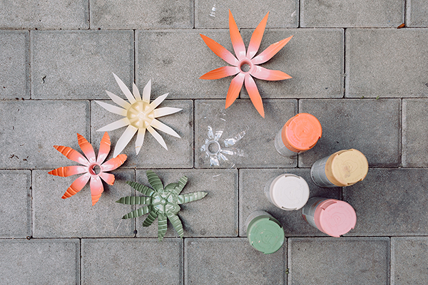 Recycle your plastic bottles into this gorgeous Plastic Bottle Flower Wreath