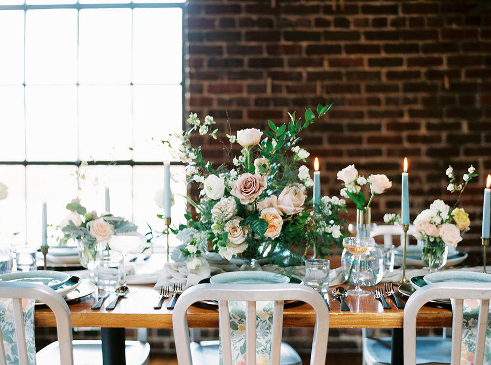 wedding tables - photo by Photos by Heart https://ruffledblog.com/downtown-birmingham-spring-wedding-inspiration