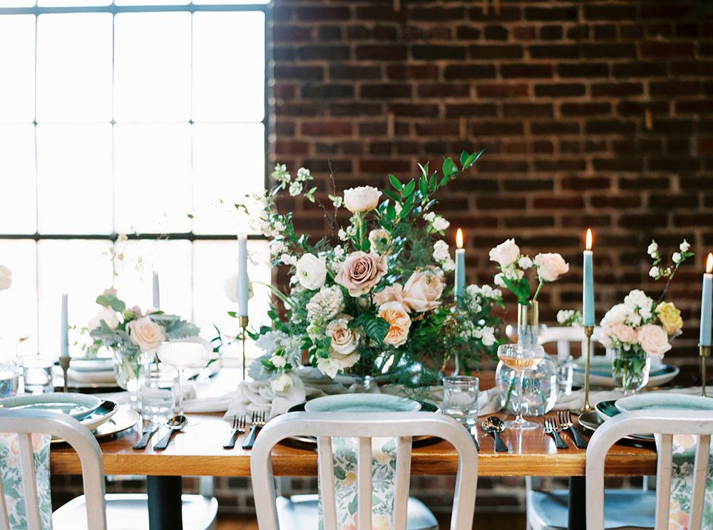 wedding tables - photo by Photos by Heart http://ruffledblog.com/downtown-birmingham-spring-wedding-inspiration